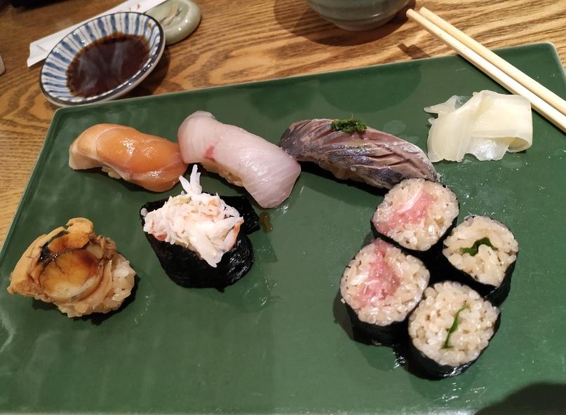 Суши в ресторане (сет 2)