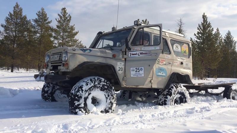 УАЗ на 39 Айроках рубится в одиночку по глубокому снегу
