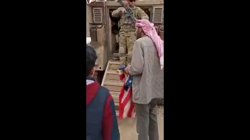 Dân Syria chấm vấn lính Mỹ đến đất nước họ làm gì