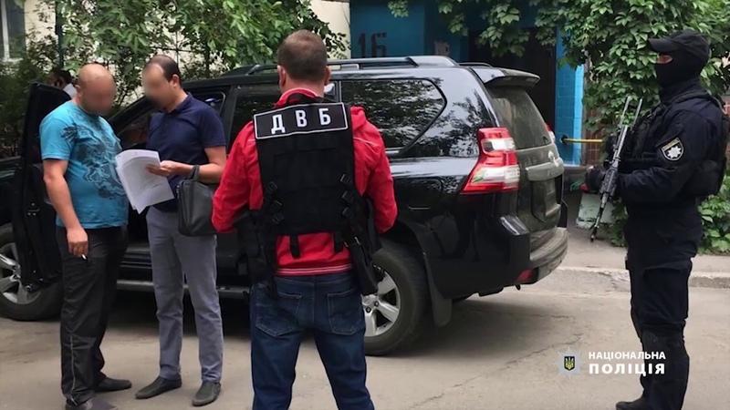 Поліція встановила водіїв двох джипів, які під Запоріжжям блокували колону автобусів з дітьми