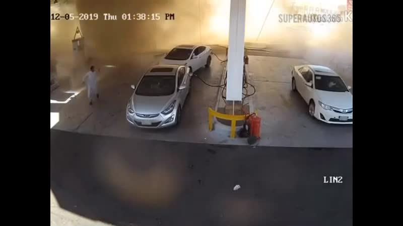 Взрыв АЗС в Саудовской Аравии dphsd fpc d cfeljdcrjq fhfdbb