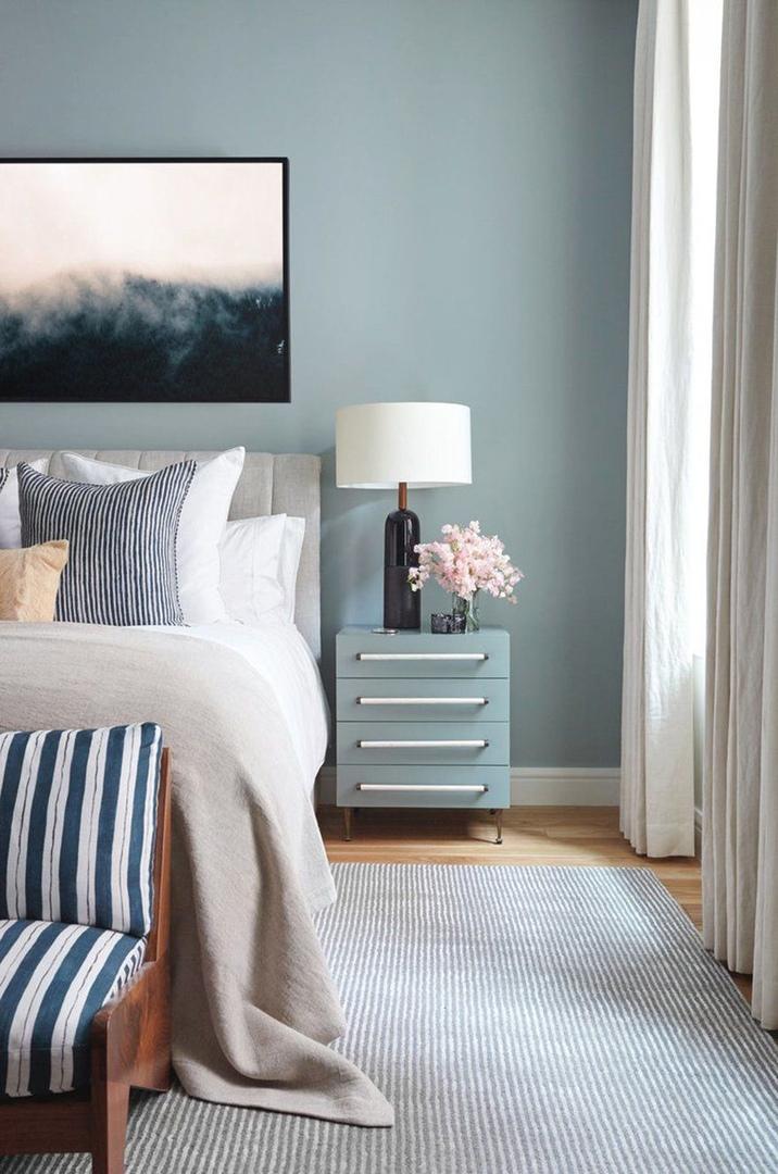 Спальни в голубых тонах: сочетание цветов в интерьере || 01