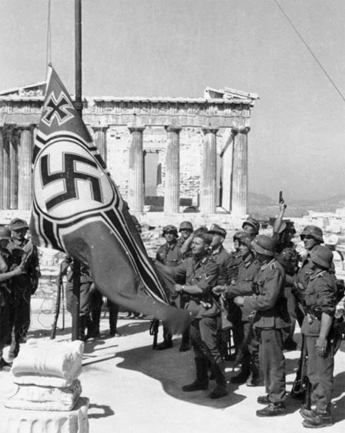 Гитлеровцы на Акрополе