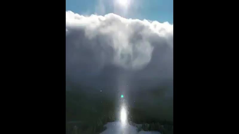 Редкое природное явление удалось заснять на курорте Роза Хутор гало субсолнце Его вызывает отражение солнечного света от крош