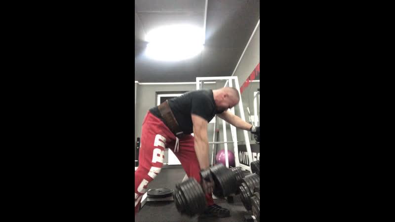 Тренировка спины: Тяга гантели 70 кг.