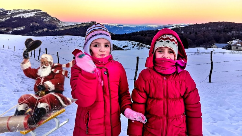 Катаемся на САНКАХ в снежных горах Италии семейный отдых зимой в Monte Baldo