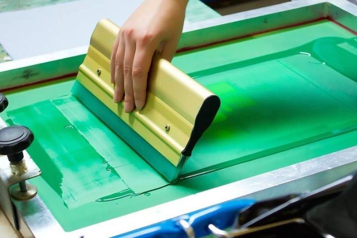 Коробки с логотипом - нанесение цветной печати при изготовлении картонных коробок на заказ., изображение №4