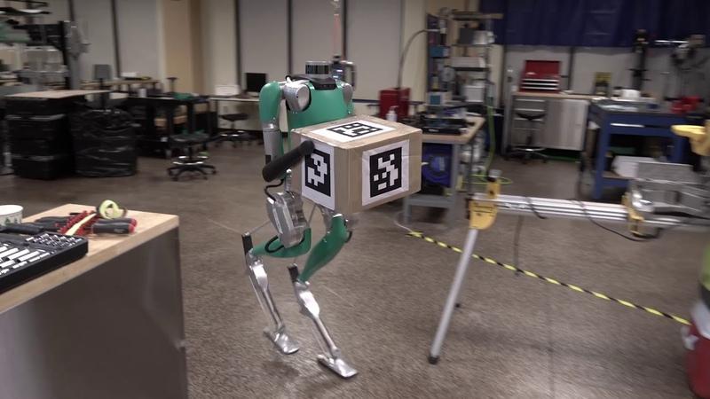 Gruselig Ford zeigt humanoiden Roboter Digit der Paketzusteller von morgen