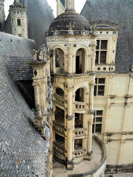 Замок Шамбор (Франция) — один из замков Луары.