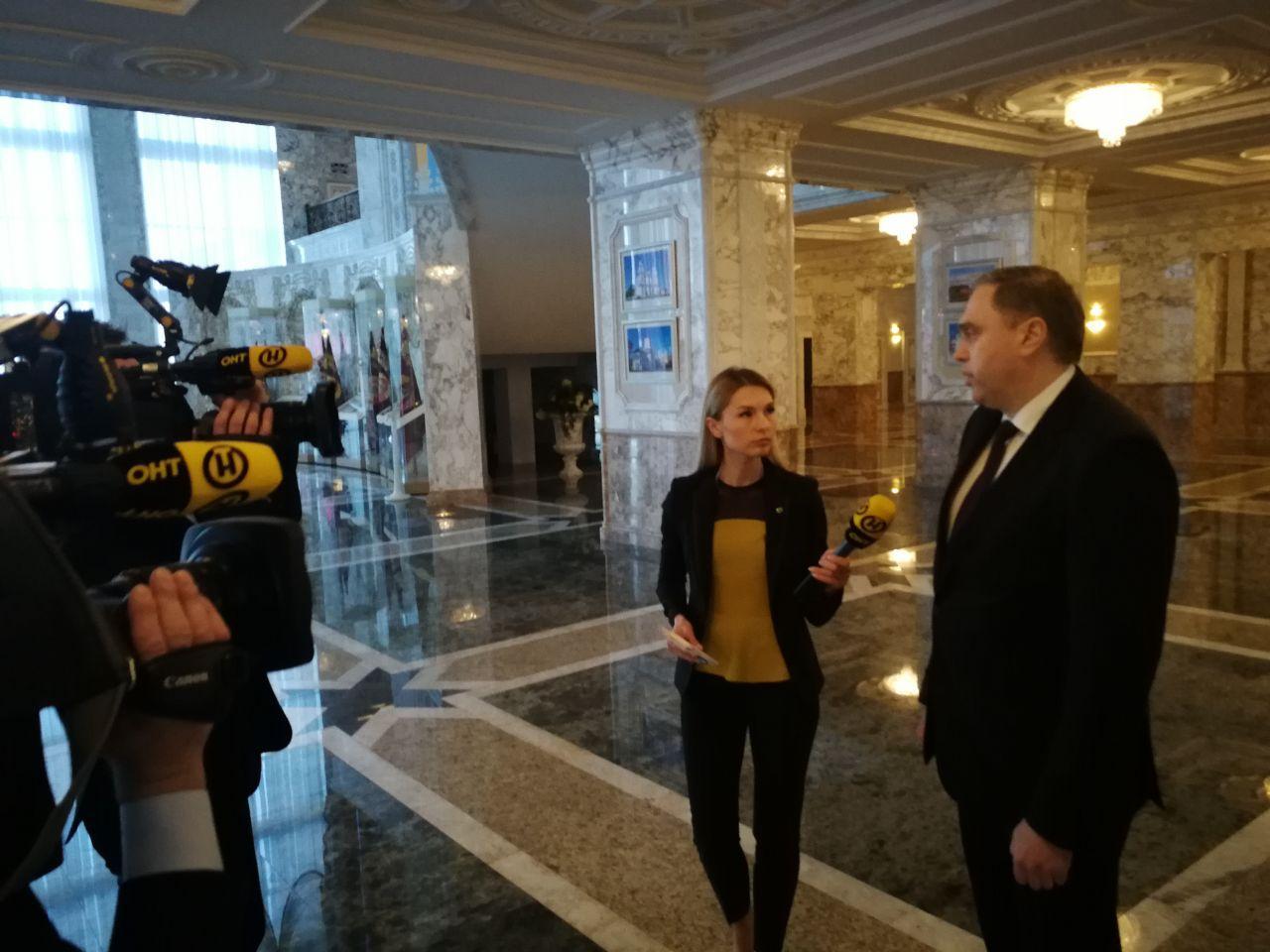 Лукашенко проводит совещание по коронавирусу. Какие мысли?