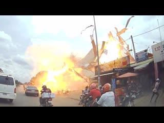 Мощный взрыв газа на АЗС в Камбодже