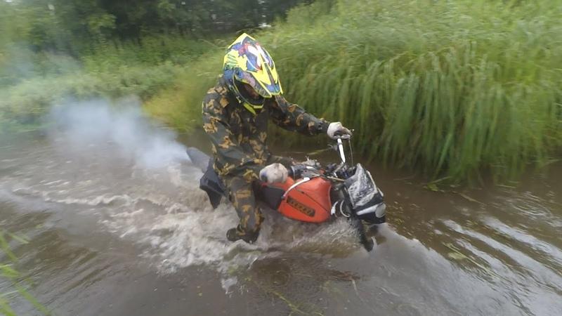 Иж Планета 5 Адский трактор и Irbis TTR125R брод через реку утопил мотоцикл