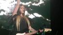Avril Lavigne -- Don't Tell Me