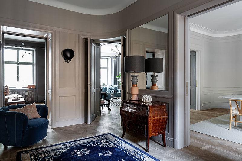 Темные тона в интерьере величественной квартиры в Стокгольме || 02