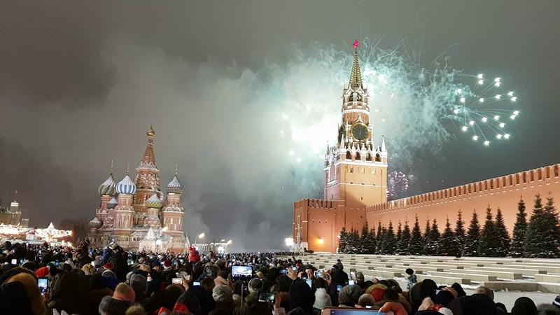 Салют Новый год 2019 красная площадь Москва Россия