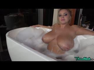 Vivian blush - first full nude bath