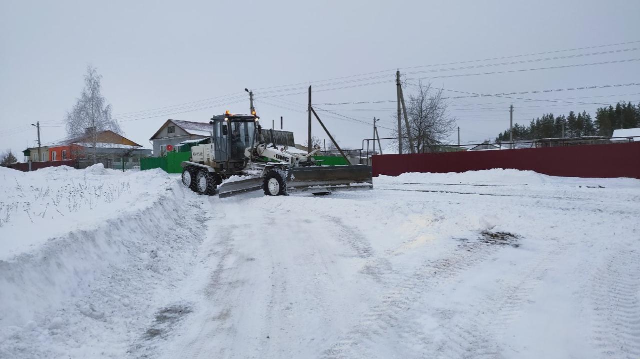 """МКУ """"Благоустройство"""" продолжает устранять последствия снегопада"""