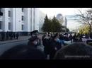 Полиция говорит в мегафон предупреждения и получает Полиции позор!