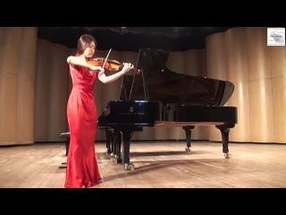 И. С. Бах.  Партита для скрипки соло №2 d-moll, Чакона  исполняет Рю Хи Юн, скрипка. Южная Корея