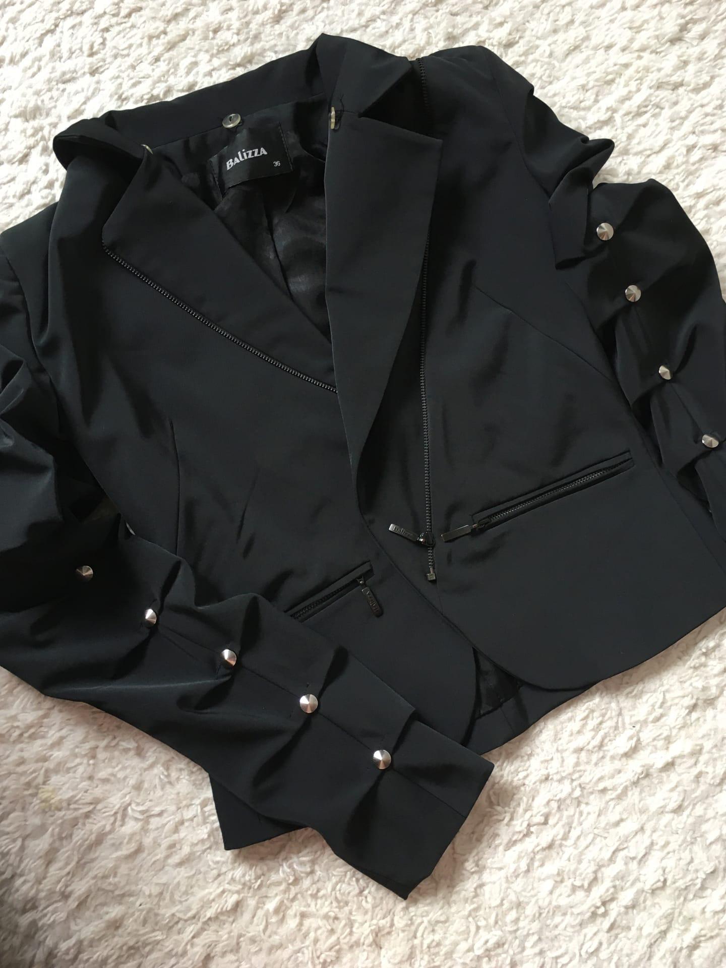 Костюм размер 42 цена 1500р, пиджак размер 42 цена 1200