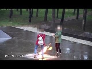 """Две малолетние бляди осквернили """"Вечный огонь"""" ..."""