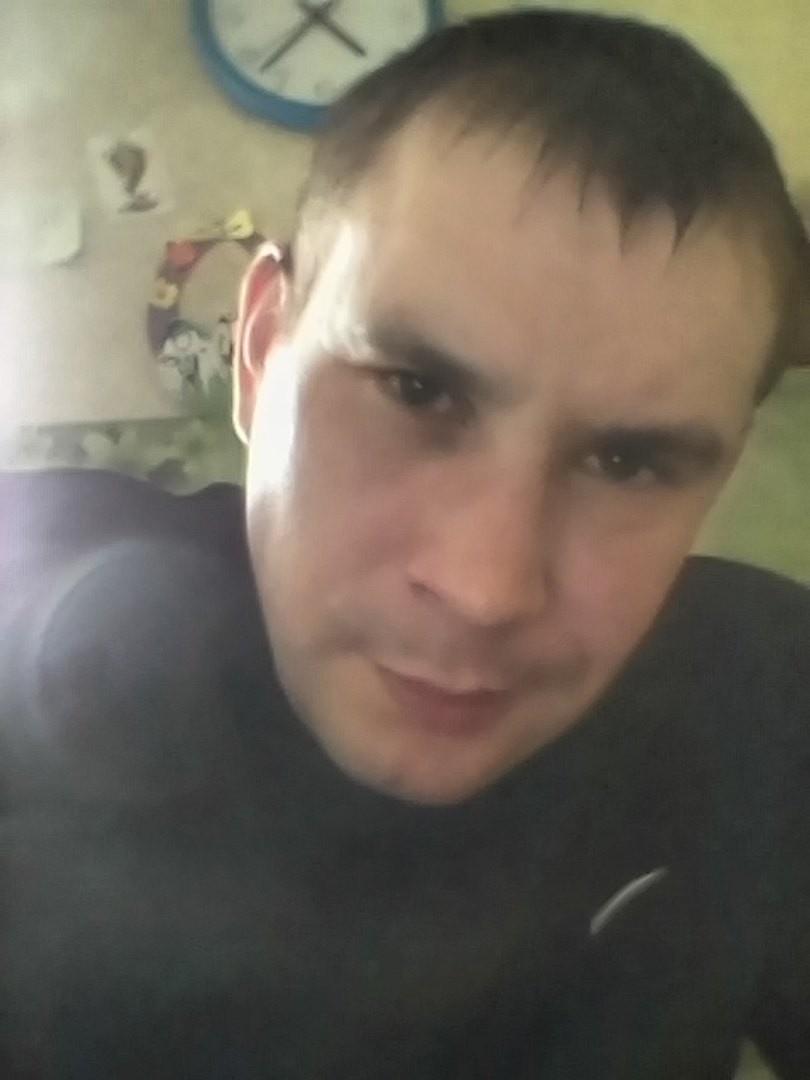 Dmitry, 21, Kostomuksha