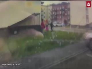 Наркоман в Щеглов сбил женщину и ребенка
