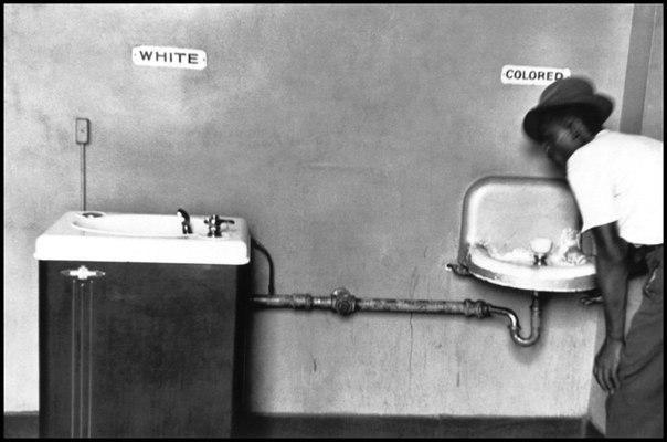 «Первый закон о принудительной стерилизации был принят в 1907 в штате Индиана (США). Стерилизация разрешалась по генетическим основаниям. Позднее подобные законы были приняты почти в тридцати