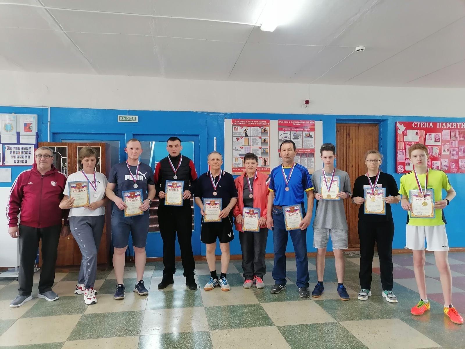В Петровске прошло командное первенство по настольному теннису, посвящённое Дню Победы