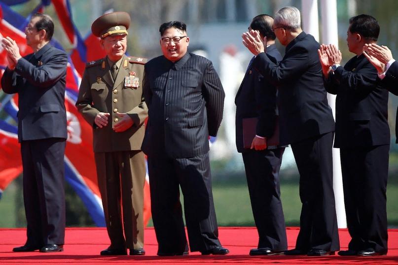 Любопытный жест дружбы — Елизавета II поздравила Ким Чен Ына с национальным праздником