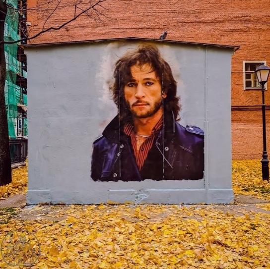 На Литейном проспекте появилось граффити с изображ...