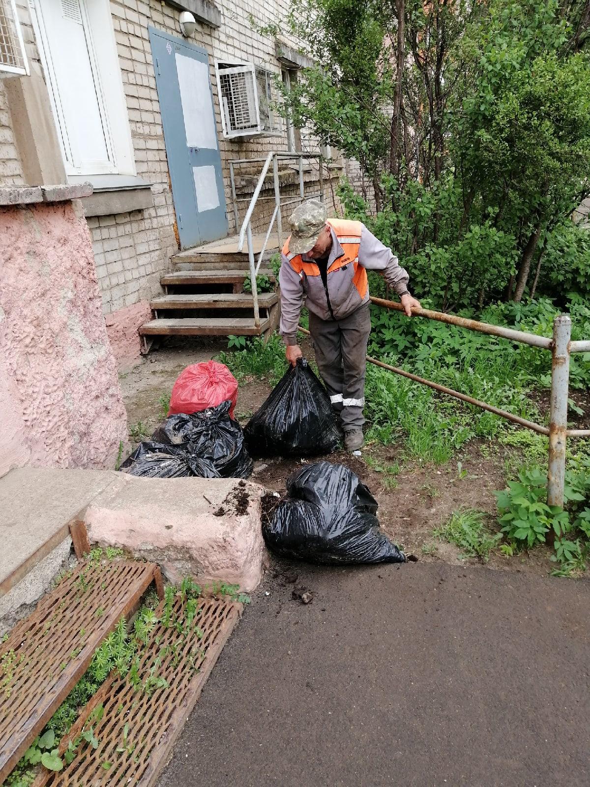 Вывоз мусора Кольцова 13