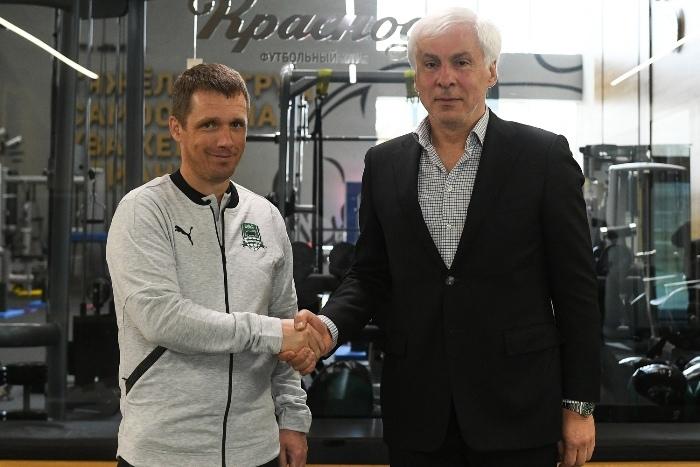 Бывший тренер БАТЭ Виктор Гончаренко нашел новую работу в России