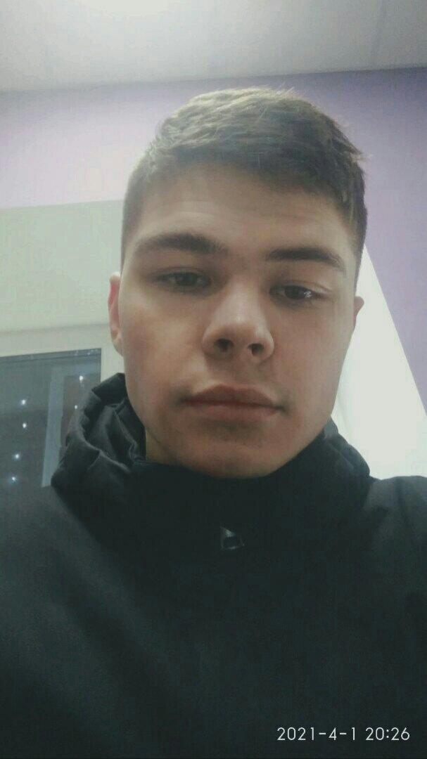 Даня, 23, Tobol'sk