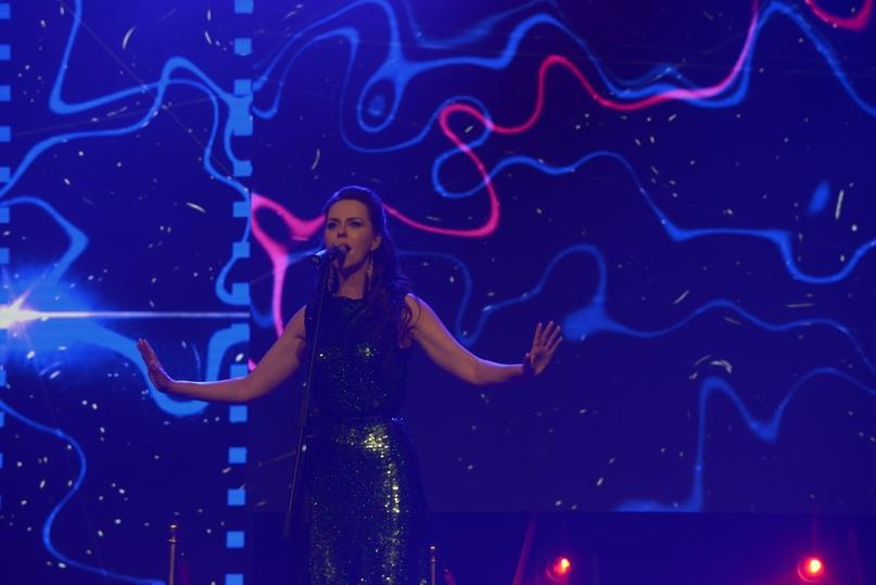 Лауреат конкурса «Молодые голоса» и Международного конкурса современной православной духовной песни «Невские купола» певица Алёна Биккулова.