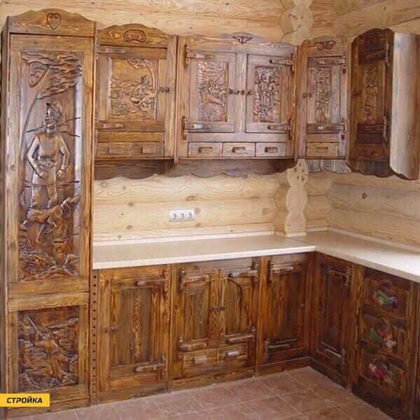 Кухня ручной рубки из дерева