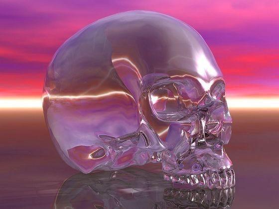 Хрустальный череп В 1927 году в Белизе, в тамошних джунглях археолог Фредерик Митчелл Хеджес сделал потрясающую находку череп из чистого горного хрусталя поразительного качества и в идеальном