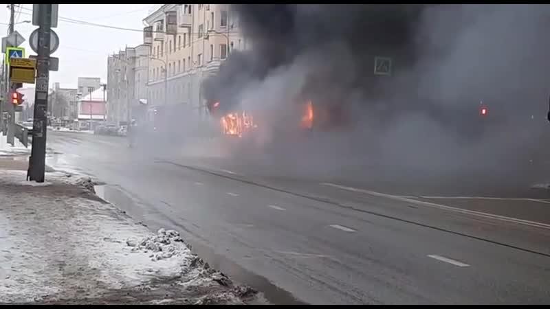 Автобус загорелся в Казани