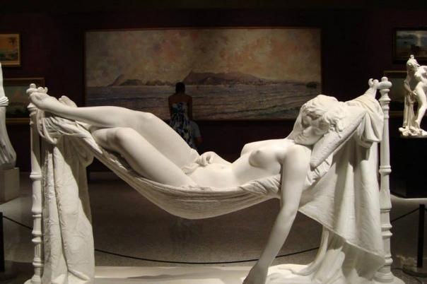 Скульптура из каррарского мрамора Сладкие сны, 1892 год. Автор: Антонио Фрилли