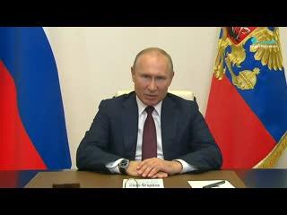 Путин распорядился начать подготовку к параду Победы