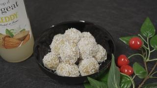 БАНАНОВЫЕ ШАРИКИ в кокосовой стружке за пару минут | РЕЦЕПТ приготовления домашних пирожных