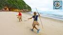 Диана и Даня ищут домик на необитаемом острове. Дети Робинзоны. МанкиТайм