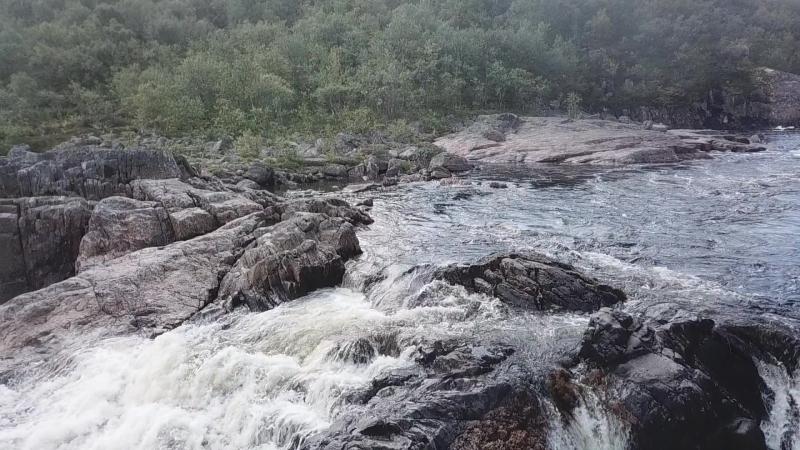 Водопад на реке Титовка