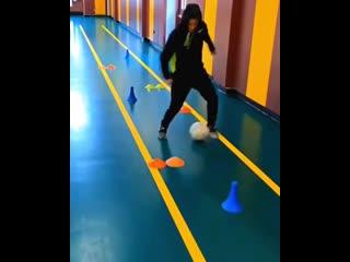 Футбольные упражнения на дриблинг