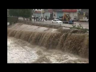 Мощный ливневый паводок в городе  Джидда (Саудовская Аравия, )
